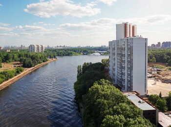 Все квартиры в комплексе имеют вид на воду